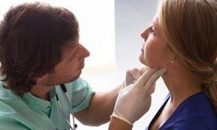 Przyczyny, objawy i leczenie nadczynności tarczycy